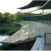 Thermoholzterrassen auch im öffentlichen Bau